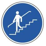 Påbud: Brug gelænder på trappen